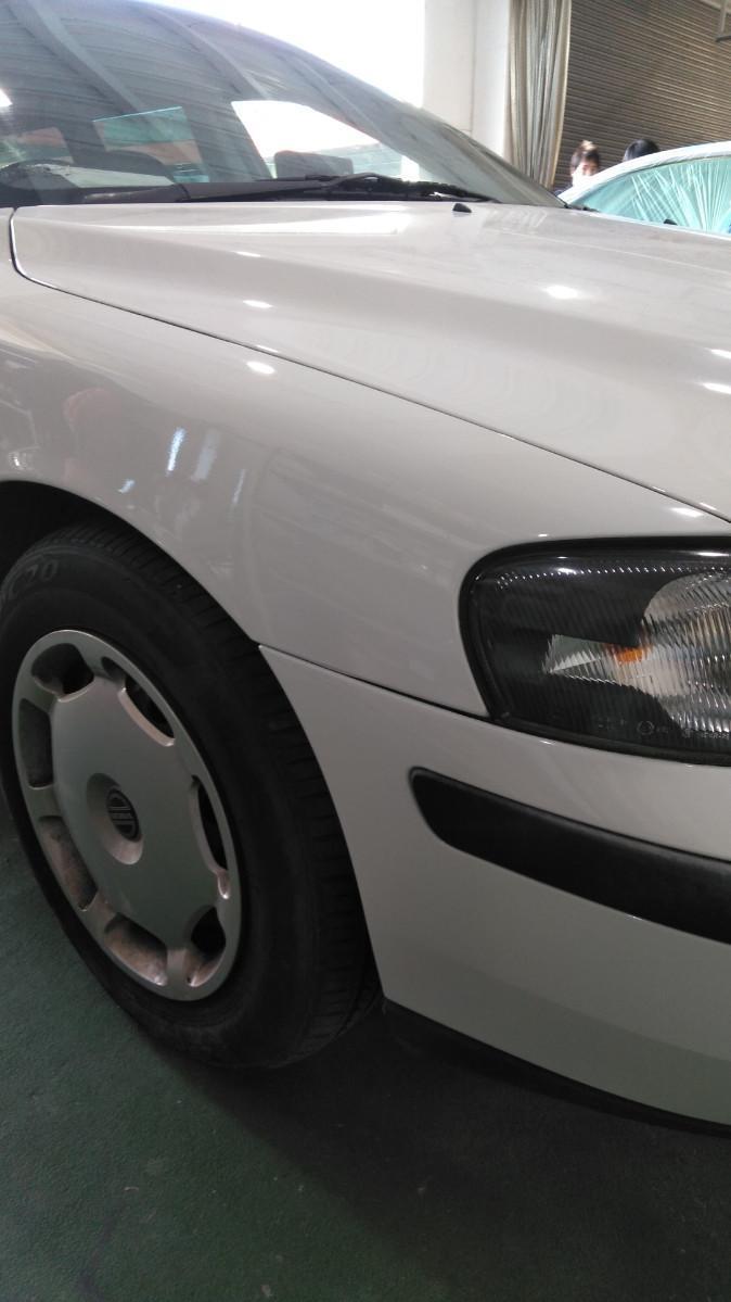 ボルボ ボルボ V60 フェンダー へこみ