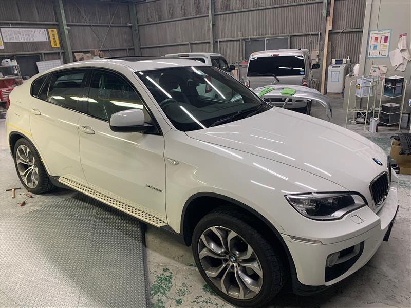 BMW BMW X6 フェンダー へこみ