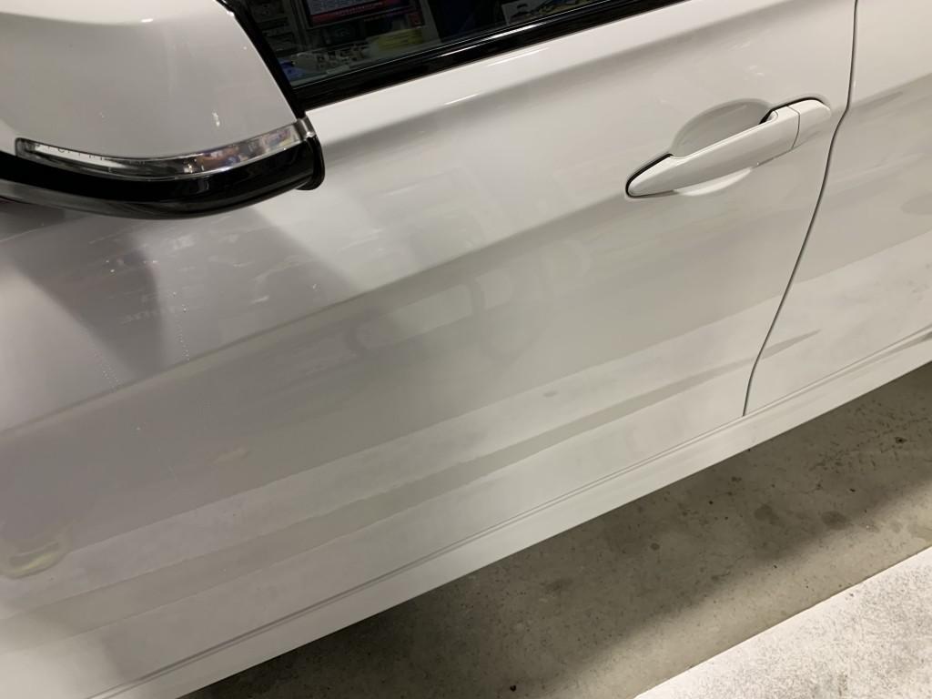 BMW M3 セダン へこみ修理後