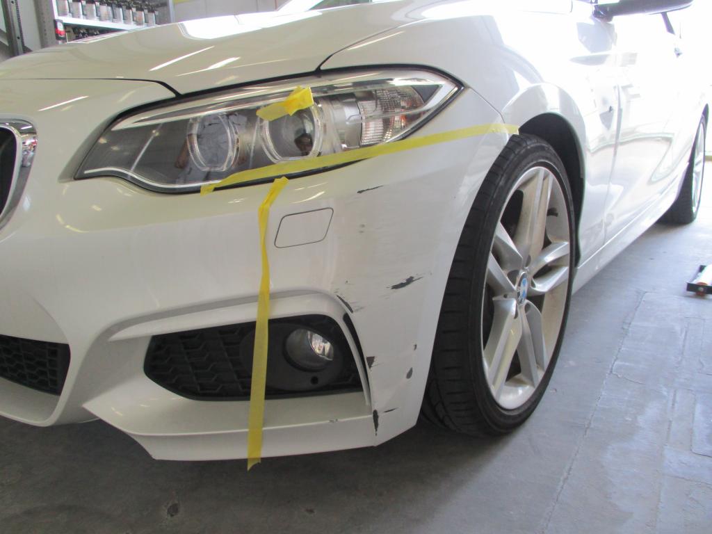 BMW 2シリーズ エグレ修理前