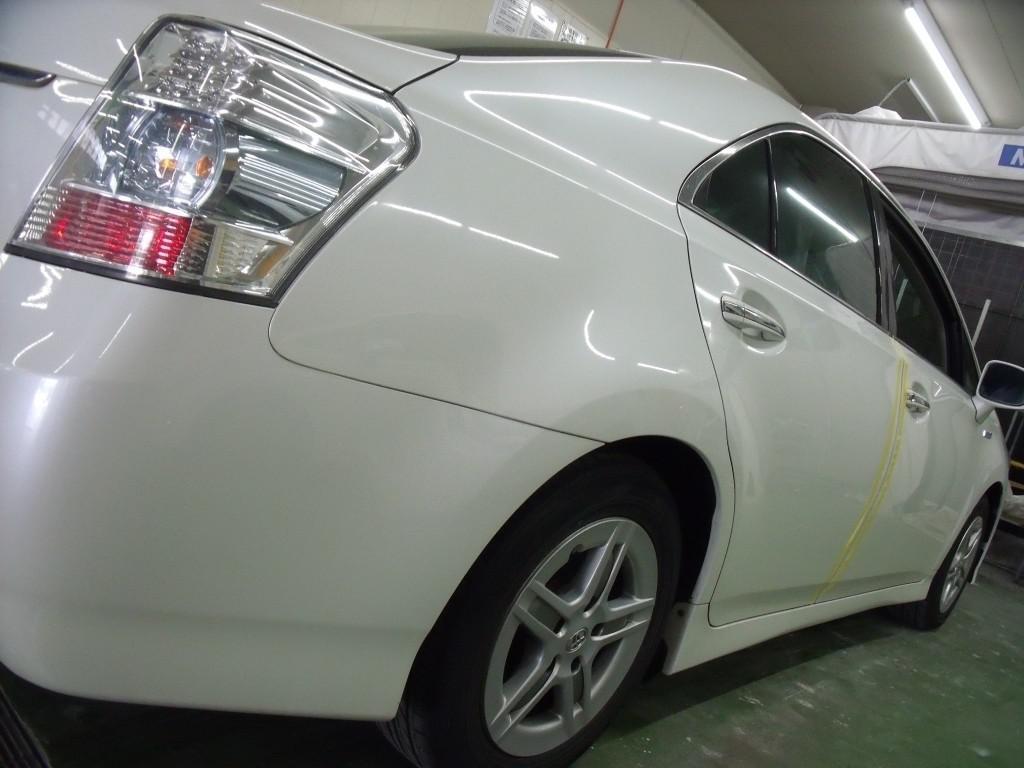 トヨタ SAI ドア 線キズ