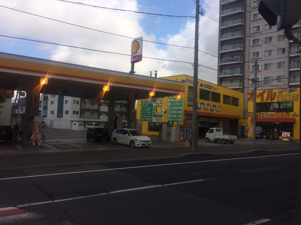 ピッカーズ新道東店外観